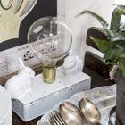 Антикварная посуда и столовые приборы.