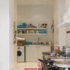 Рядом с кухней расположена хозяйственная комната с прачечной. Это очень удобно. (кухня,дизайн кухни,интерьер кухни,кухонная мебель,мебель для кухни,прачечная,хозяйственная комната,мастерская)