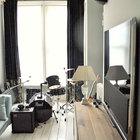 В большом доме можно позволить себе отдельную медийную комнату. ()