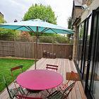 В теплое время года обедать можно прямо на террасе. (на открытом воздухе,патио,балкон,терраса)