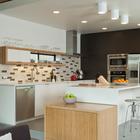 Модернистская кухня в стиле середины 20-го века. (кухня,1950-70е,архитектура,дизайн,интерьер,экстерьер,мебель)