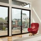 Спальня имеет свою собственную террасу куда ведут сдвижные стеклянные двери. (спальня,1950-70е,мебель,архитектура,дизайн,интерьер,экстерьер)