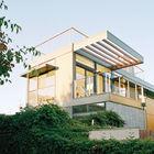 Терраса на втором уровне. (на открытом воздухе,патио,фасад,1950-70е,мебель,архитектура,дизайн,интерьер,экстерьер)
