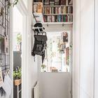 Прихожая у входа квартиры. (вход,прихожая,скандинавский,интерьер,дизайн интерьера,мебель,квартиры,апартаменты)