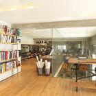 На втором этаже расположен офис Лариссы. Двойной свет с остекленными стенами делает оба помещения светлее и позволяет работать над очень крупными проектами. (домашний офис,офис,мастерская,индустриальный,лофт,винтаж,стиль лофт,индустриальный стиль,архитектура,дизайн,экстерьер,интерьер,дизайн интерьера,мебель)