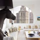 Статуя коня в гостиной смотрится великолепно. (лошади,кони,фотографии лошадей,картины лошадей,гостиная,дизайн гостиной,интерьер гостиной,мебель для гостиной,традиционный,интерьер,дизайн интерьера,мебель)