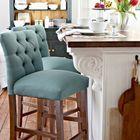 Барные стулья для традиционного интерьера.