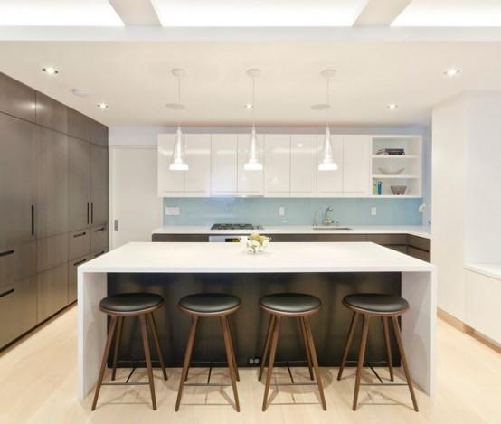 Простые по форме высокие табуретки для бело-серой кухни в стиле минимализм.