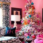Белая елка украшенная жизнерадостными обезьянками в честь грядущего года обезьяны. (год обезьяны,елка,новогодняя елка,рождественская елка,новый год,дед мороз,рождество,сделай сам,самоделки,интерьер,дизайн интерьера)
