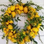 Яркий венок из лимонов разного размера. (новый год,рождество,декор,цитрусовые,лимон,апельсин,мандарин,ёлка,сделай сам,самоделки,интерьер,дизайн интерьера)
