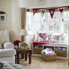 Традиционная гирлянда в гостиной. (гостиная,дизайн гостиной,интерьер гостиной,мебель для гостиной,традиционный,интерьер,дизайн интерьера,мебель)