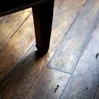 Деревянный пол в жилых помещениях органично вписывается в интерьер старого дома добавляя ощущение обжитого дома. (гостиная,дизайн гостиной,интерьер гостиной,мебель для гостиной,викторианский,интерьер,дизайн интерьера)