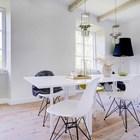 Большая светлая столовая, со стульями братьев Имз. (столовая,дизайн столовой,интерьер столовой,мебель для столовой,деревенский,сельский,кантри,интерьер,дизайн интерьера,мебель)