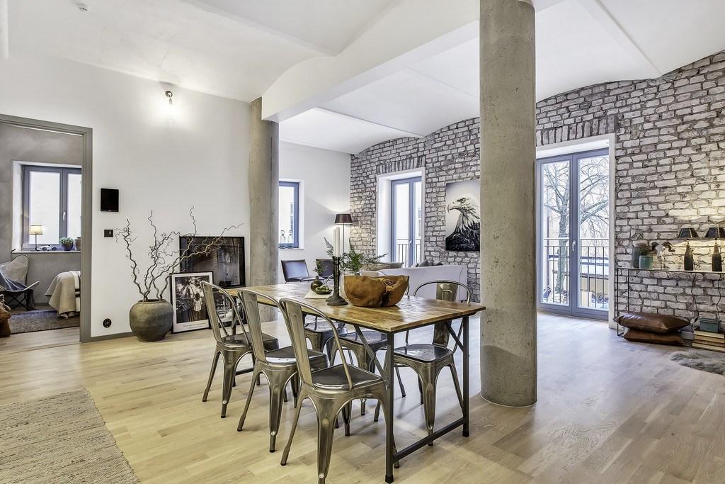 Столовая по сути является центром квартиры.