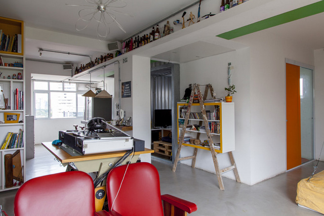 На фото хорошо видно что вся квартира имеет открытую планировку.
