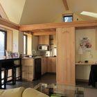 Дизайн жилой комнаты маленького дома (жилая комната,домашний офис,офис,мастерская,кухня,спальня,вход,прихожая,столовая,гостинная,современный,маленький дом,архитектура,дизайн,интерьер,экстерьер,мебель)