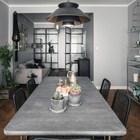 Жилая комната достаточно длинная и с изменяющейся шириной, что позволило без труда разделить ее на функциональные части по длине. (интерьер,дизайн интерьера,мебель,квартиры,апартаменты,скандинавский,гостиная,дизайн гостиной,интерьер гостиной,мебель для гостиной,столовая,дизайн столовой,интерьер столовой,мебель для столовой,жилая комната)