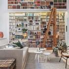 Просторная гостиная-библиотека. (скандинавский,интерьер,дизайн интерьера,мебель,квартиры,апартаменты,архитектура,дизайн,экстерьер,гостиная,дизайн гостиной,интерьер гостиной,мебель для гостиной)