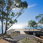 На крыше также устроена огромная терраса. (архитектура,дизайн,экстерьер,интерьер,дизайн интерьера,мебель,минимализм,на открытом воздухе,патио,балкон,терраса)