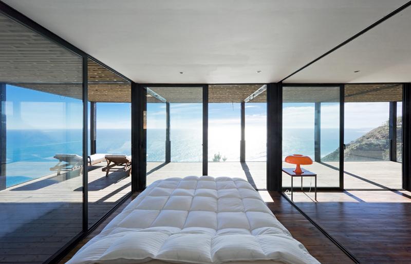 Приятно просыпаться , когда перед тобой открывается такой замечательный вид на океан.