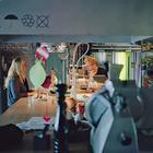 Кухонный буквально остров является центром семейной жизни. (индустриальный,лофт,винтаж,стиль лофт,индустриальный стиль,архитектура,дизайн,экстерьер,интерьер,дизайн интерьера,мебель,кухня,дизайн кухни,интерьер кухни,кухонная мебель,мебель для кухни)
