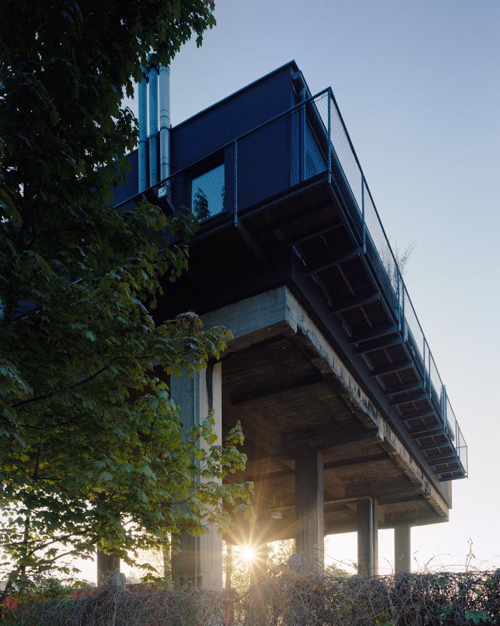 Балкон вокруг всего дома с круговым обзором.