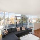 Жилая комната на втором этаже с остекленным фасадом имеет выход на террасу. (арт деко,арт-деко,интерьер арт-деко,стиль арт-деко,архитектура,дизайн,экстерьер,интерьер,дизайн интерьера,мебель)