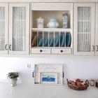 Дизайн кухни выдержан в средиземноморском стиле. (средиземноморский,архитектура,дизайн,экстерьер,интерьер,дизайн интерьера,мебель,кухня,дизайн кухни,интерьер кухни,кухонная мебель,мебель для кухни)