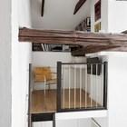 Небольшой домашний офис-библиотека на чердаке. (скандинавский,деревенский,сельский,кантри,интерьер,дизайн интерьера,мебель,квартиры,апартаменты,лестница,домашний офис,офис,мастерская)