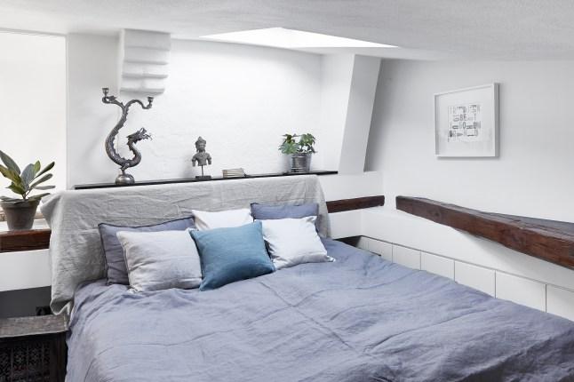Небольшая гостевая спальня на втором уровне.