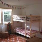 Детская комната с двухъярусной кроватью.