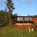 Дом построен с минимальным ущербом для природы. Территория пострадавшая от строительных работ засажена соснами.