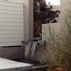 Фонтан в виде водопада (фонтан,пруд,фото,вода,каскад,водопад,терраса,сад,на открытом воздухе,патио)