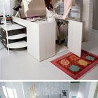 Эта итальянская кровать с плательным шкафом под ней уже была описана нами ранее. Очень необычное решение.
