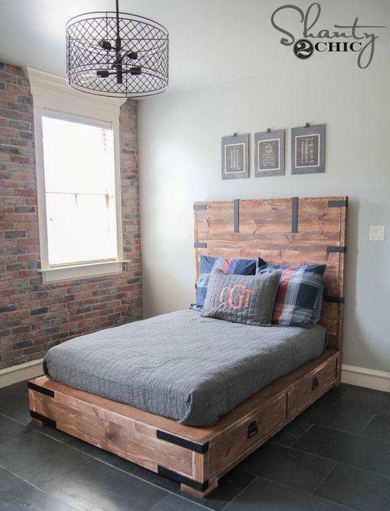 Кровать с выдвижными ящиками в стиле лофт.