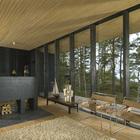 Камин отделяет гостиную от столовой. (скандинавский,архитектура,дизайн,экстерьер,интерьер,дизайн интерьера,мебель,гостиная,дизайн гостиной,интерьер гостиной,мебель для гостиной)