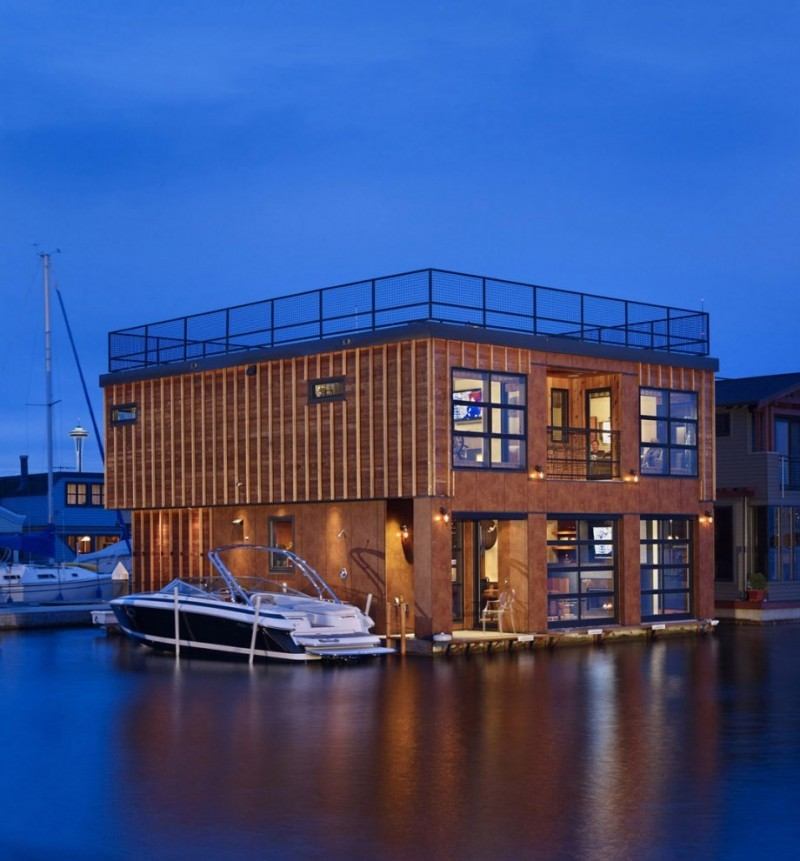 Плавучий дом на озере Юнион - вид со стороны озера.