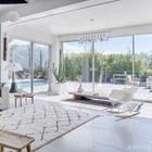 Гостиная имеет большую площадь остекления, что не удивительно при таких пейзажах вокруг дома. (средиземноморский,современный,французская провинция,прованс,стиль прованс,интерьер прованс,архитектура,дизайн,экстерьер,интерьер,дизайн интерьера,мебель,гостиная,дизайн гостиной,интерьер гостиной,мебель для гостиной)