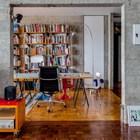 Домашний офис фактически является частью гостиной и наоборот.
