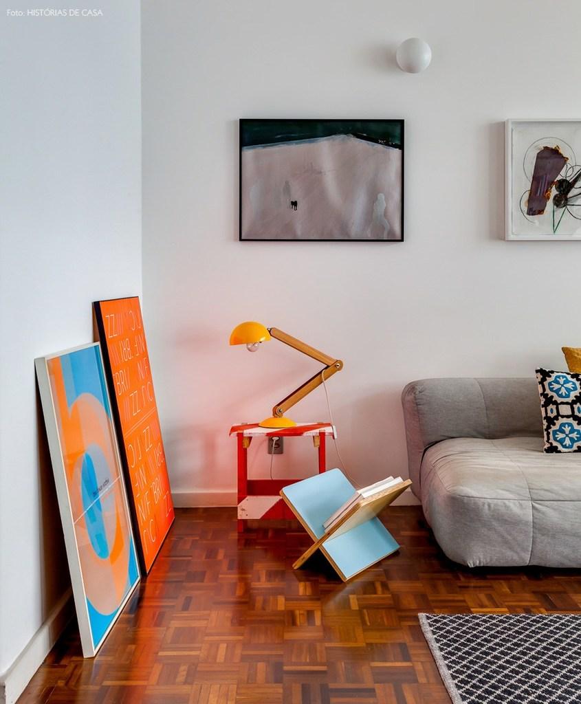Элементы мебели и декора из середины 20-го века.
