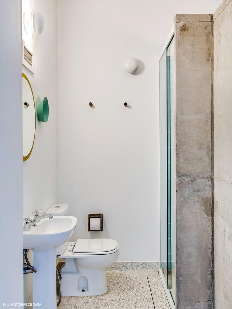 Ванная комната с душем.