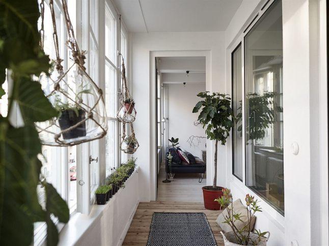 Зимний сад с входом из жилой комнаты.