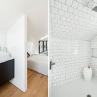 Ванная комната на втором этаже с белой душевой. (минимализм,архитектура,дизайн,экстерьер,интерьер,дизайн интерьера,мебель,ванна,санузел,душ,туалет,дизайн ванной,интерьер ванной,сантехника,кафель)
