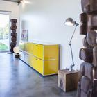 Открытая планировка внутреннего пространства способствует более гибкому его использованию. (индустриальный,лофт,винтаж,стиль лофт,индустриальный стиль,минимализм,современный,архитектура,дизайн,экстерьер,интерьер,дизайн интерьера,мебель)