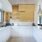 В U-образной кухне все пространство используется максимально полно и рационально..