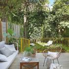 О такой террасе рядом с квартирой и выходе во двор мечтает почти каждый.