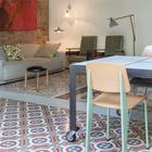Обеденный стол в стиле лофт из мрамора является интересным объектом, так как в нем был использован мрамор из старой кухни 30-х годов.
