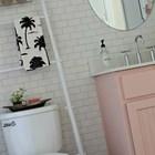 Если убрать несколько жердей, то лестницу можно поставить даже у стены, которая уже не свободна. (ванна,санузел,душ,туалет,дизайн ванной,интерьер ванной,сантехника,кафель,интерьер,дизайн интерьера,сделай сам,самоделки)