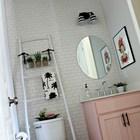 Лестница не требует монтажа и добавляет много места для полотенец. (ванна,санузел,душ,туалет,дизайн ванной,интерьер ванной,сантехника,кафель,интерьер,дизайн интерьера,сделай сам,самоделки)