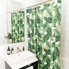 Обязательно подберите занавеску для душа так чтоб она вам нравилась. (ванна,санузел,душ,туалет,дизайн ванной,интерьер ванной,сантехника,кафель,интерьер,дизайн интерьера,сделай сам,самоделки)
